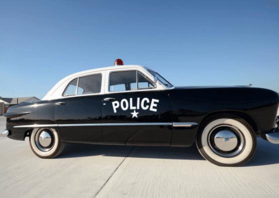 police van-polizeifahrzeug-flashcard-allaboutdeutsch